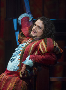 Quirijn de Lang in Kiss me, Kate bij Opera North. (© Alastair Muir / Opera North)