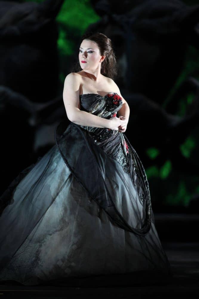 Ekaterina Gubanova als Fricka in Die Walküre (scènefoto van de voorstellingenreeks in het Teatro alla Scala). (© Brescia en Amisano)