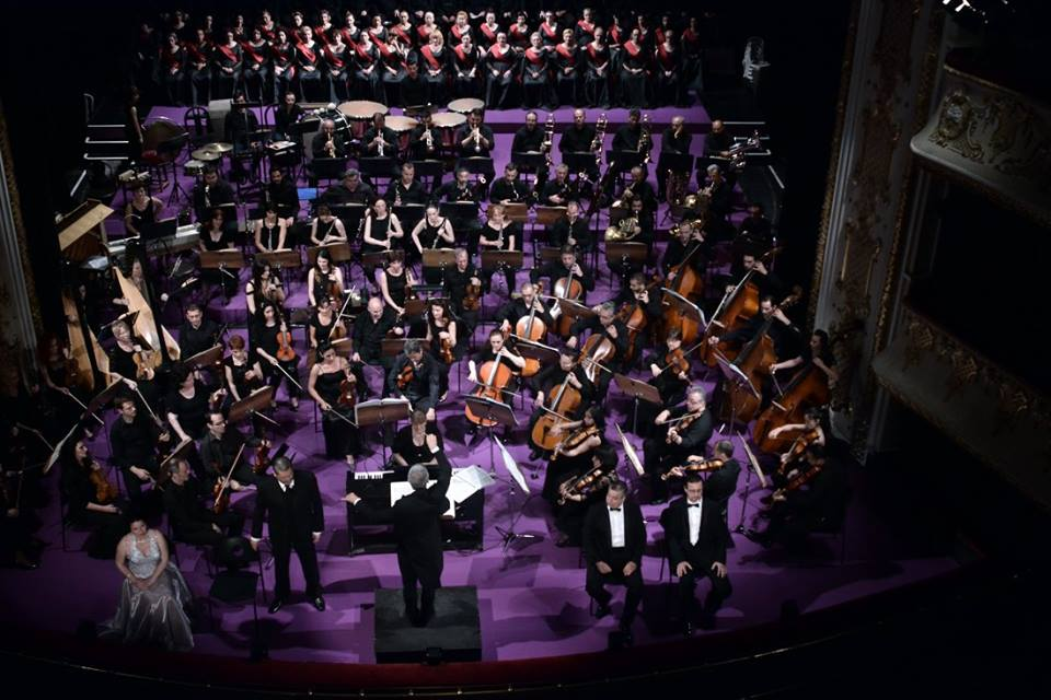 Enescu's opera Oedipe paste net in het kleine theater van Miskolc. (© operafestival Bartók Plus)