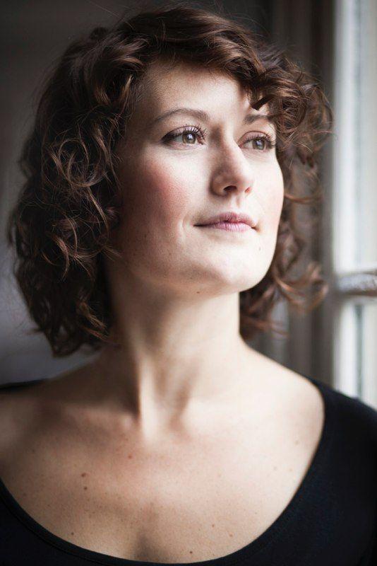 """Rosanne van Sandwijk: """"In Kiel ontdekte ik dat ik ook zwaarder repertoire kan zingen. Het is fijn om te weten dat ik daartoe in staat ben."""" (© Annelies van der Vegt)"""