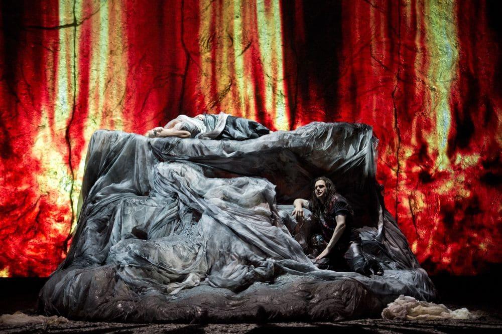 Scène uit Siegfried bij de Staatsoper Berlin (beeld van de vorige speelreeks). (© Monika Rittershaus)