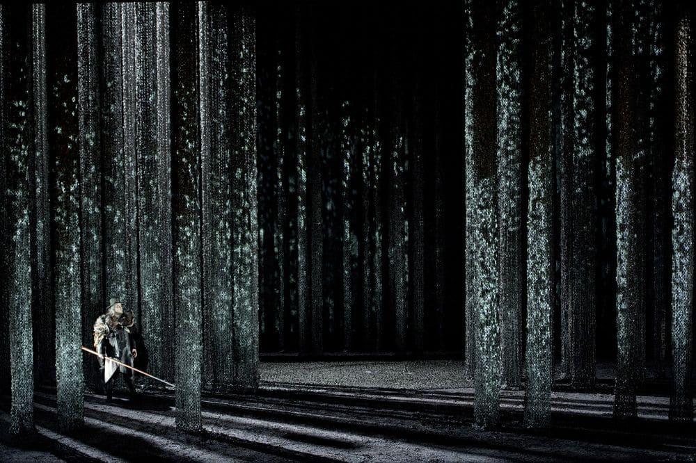 Scène uit Siegfried bij de Staatsoper Berlin (beeld van de vorige speelsreeks). (© Monika Rittershaus)