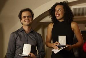 Caroubi en Charvet met hun Eugène Pannebakker Lied Duo Prize Medal. (© Hans Hijmering)