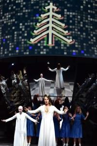 Scène uit Donnerstag aus Licht in het Theater Basel. (© Sandra Then)