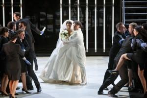Scène uit La Juive bij Opera Vlaanderen. (© Annemie Augustijns)