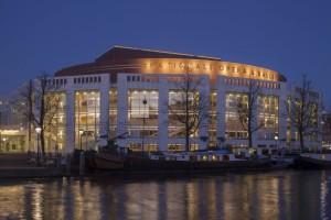 Met de Foyeravonden wil Nationale Opera & Ballet in Amsterdam zijn publiek opwarmen voor aanstaande producties. (© Luuk Kramer)