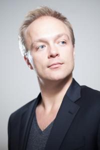 Erik Slik zingt de tenorpartij in Pulcinella. (© Stephan Walzl)