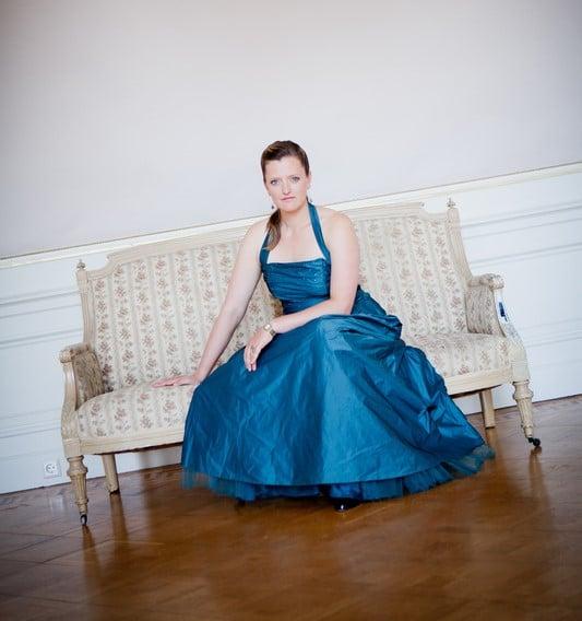 Eva Kroon behaalde haar bachelor zang aan het Koninklijk Conservatorium in Den Haag en volgde haar master aan de Dutch National Opera Academy. De afgelopen jaren was ze onder meer te zien bij The Fat Lady Operagroep, Opera Trionfo en De Nationale Opera. (© Kristie Gloudemans)