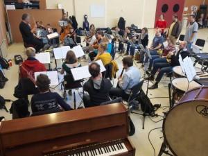 Het Utrechtsch Studenten Concert en de Gooise Operette in repetitie voor Die Fledermaus. (© Jan Dolman)