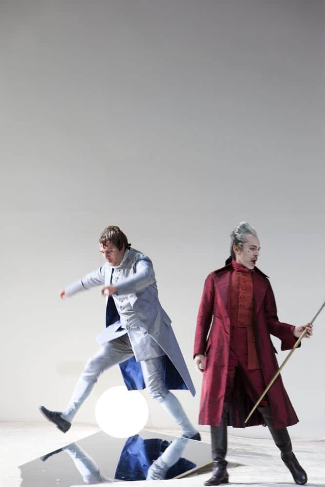 Thomas Oliemans en Alain Coulombe in Manon Lescaut. (© Bernd Uhlig)