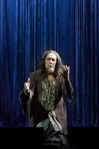 Leo Nucci als Nabucco. (© Lorraine Wauters / Opéra Royal de Wallonie)