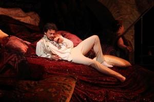Vittorio Grigolo als Hoffmann. (© Royal Opera House / Catherine Ashmore)