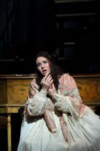 Sonya Yoncheva als Antonia. (© Royal Opera House / Catherine Ashmore)