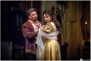 Scène uit Tosca bij het Charkov Staats Opera en Ballet Theater.