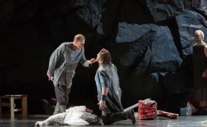 Günther Groissböck (links) werd door drie kenners genomineerd voor de Schaunard Award vanwege zijn imponerende optreden in Parsifal. (© Ruth Walz)