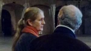 Kathinka Pasveer in gesprek met de media tijdens de presentatie van aus LICHT, afgelopen dinsdag. (© Place de l'Opera)