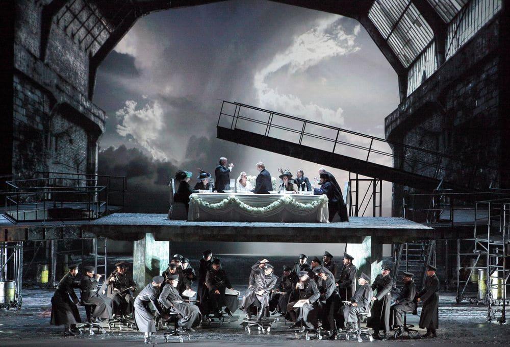 Scène uit Lady Macbeth van Mtsensk. (© Wilfried Hösl)
