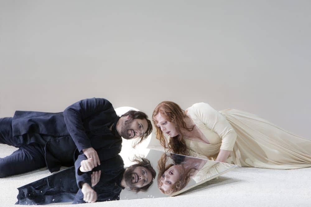 Scène uit Manon Lescaut, de veelbesproken productie van Andrea Breth bij De Nationale Opera. (© Bernd Uhlig)