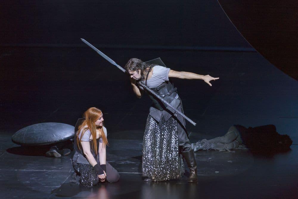 Bastiaan Everink als Klingsor, met Petra Lang als Kundry. (© Ruth Walz / De Nationale Opera)