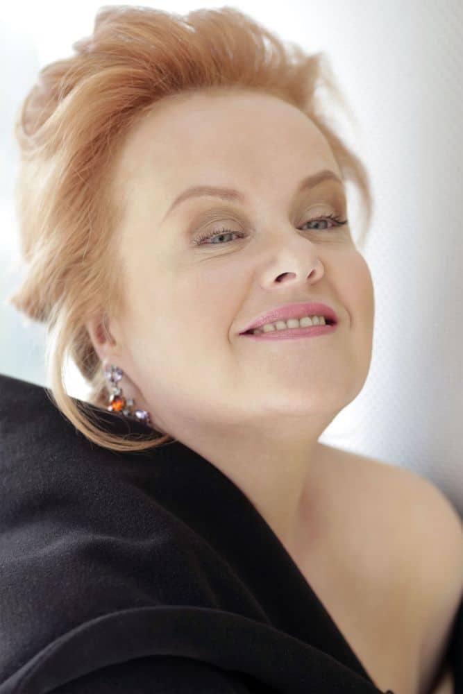 """Petra Lang: """"Je kunt oud worden, ook in het lyrische repertoire dat ik zing."""" (© Ann Weitz)"""