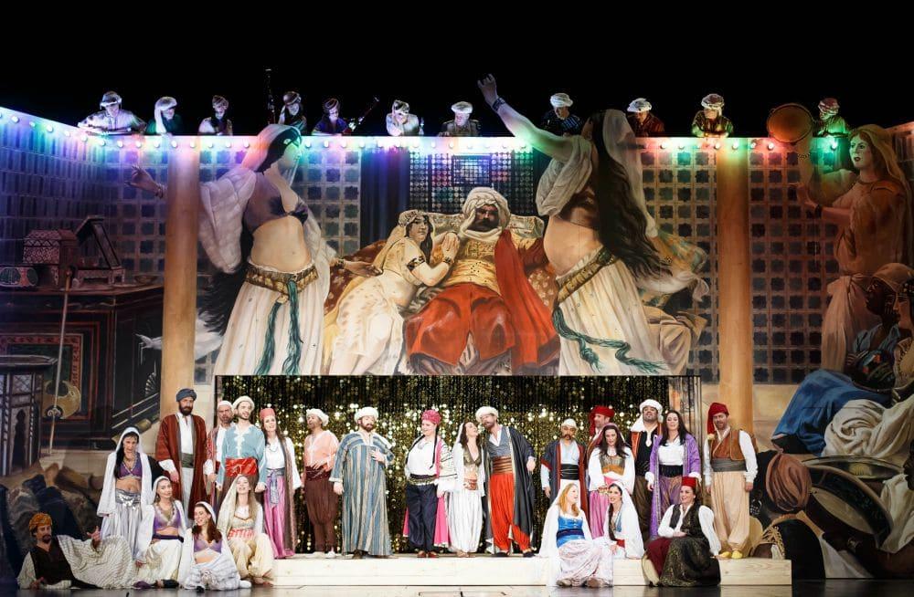Scène uit Die Entführung aus dem Serail. (© Michel Schnater / De Nationale Opera)