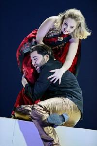 Mélissa Petit als Créuse en Reinoud Van Mechelen als Jason in Médée bij het Opernhaus Zürich. (© T + T Fotografie)
