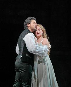 Vittorio Grigolo en Diana Damrau in Roméo et Juliette. (© Ken Howard / Metropolitan Opera)