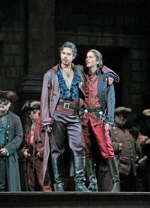 Elliot Madore als Mercutio en Virginie Verrez als Stéphano. (© Ken Howard / Metropolitan Opera)