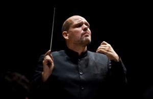 Jaap van Zweden dirigeert de nieuwe mini-opera The Tell-Tale Heart van Willem Jeths. (© Bert Hulselmans)