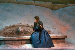 Sonya Yoncheva zingt Mimi in La bohème van Puccini. (© Ken Howard / Metropolitan Opera)