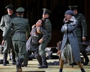 Scène uit Die Passagierin. (© Forster)