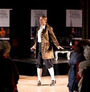 Mylou Mazali, artistiek leidster, tijdens een eerdere editie van Opera per Tutti. (© Eric van der Eijk)