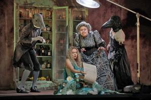 Kristine Opolais en Jamie Barton in Rusalka. (© Ken Howard / Metropolitan Opera)