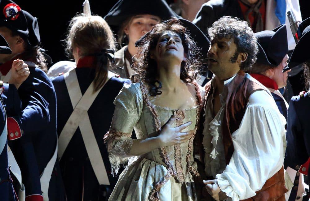 Anja Harteros en Jonas Kaufmann in Andrea Chénier. (© Wilfried Hösl)
