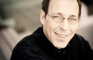 Dirigent Daniel Reuss. (© Marco Borggreve)