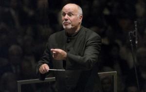 De Amerikaanse dirigent David Zinman (80) leidt de uitvoering van Intermezzo. (© Priska Ketterer)