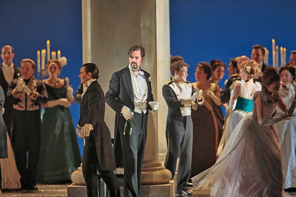 Peter Mattei als Onegin. (© Marty Sohl / Metropolitan Opera)