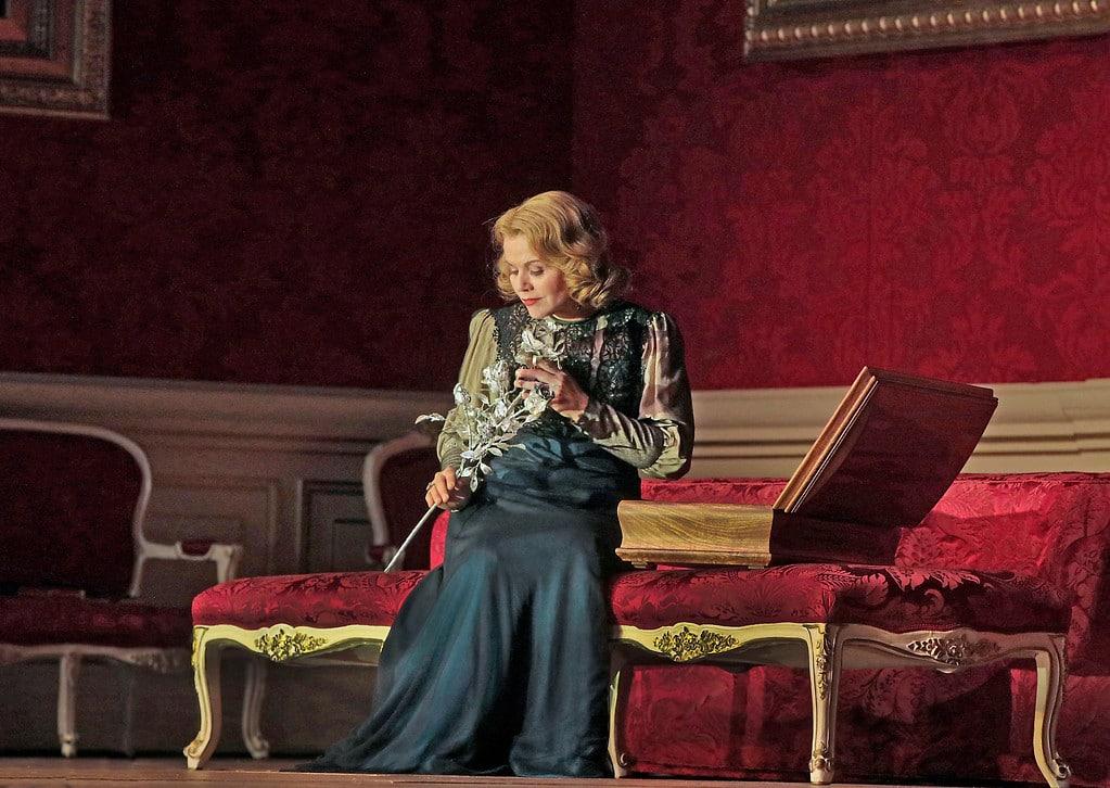 Renée Fleming als de Marschallin. (© Ken Howard / Metropolitan Opera)