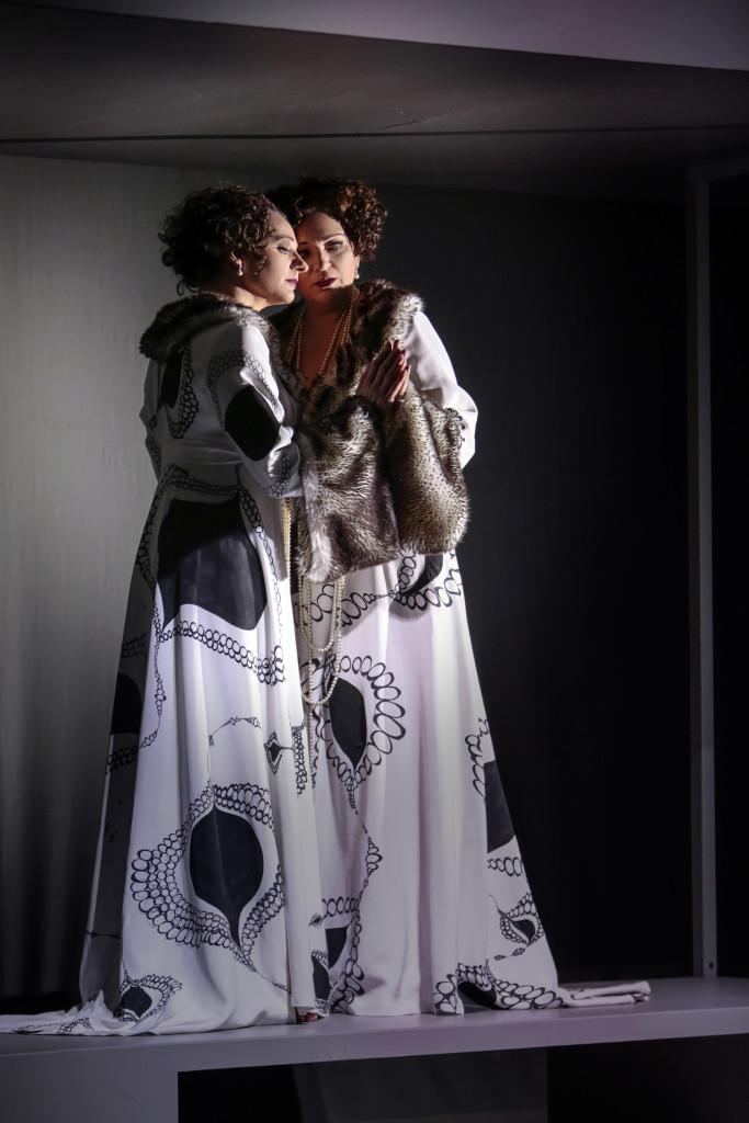 Maria Riccarda Wesseling in Annas Maska bij het Theater St. Gallen. (© Iko Freese)